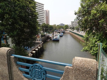 六郷水門うしろの川.png